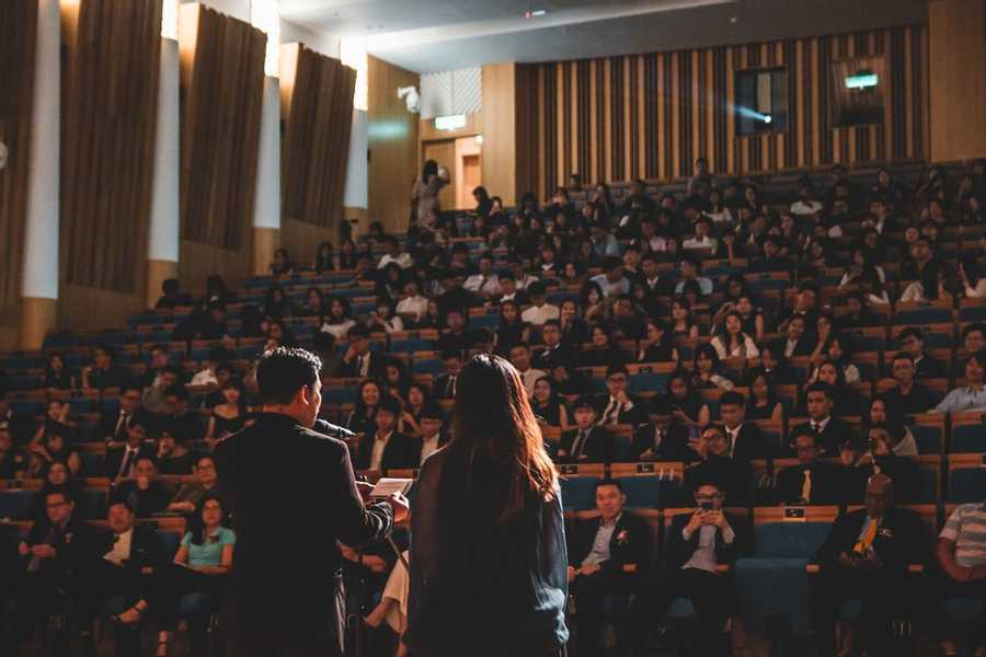 Adapting your communication style to audience
