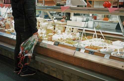 1,700 distinct varieties of cheese