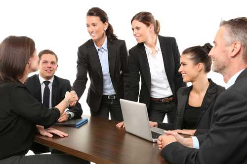 The Pros and Cons of Employee Incentive Programs